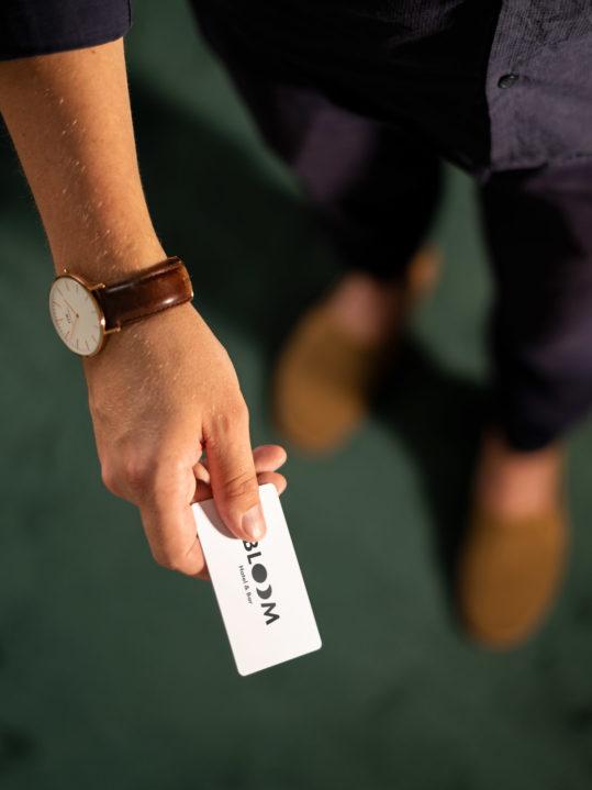 Key Card 02 Hoch